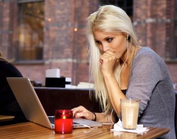 Fac angajari in video chat