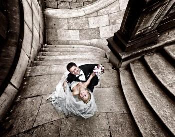 Cauti un fotograf de nunta profesionist ?