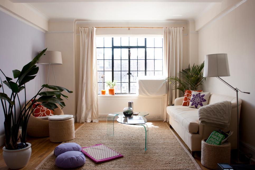 Anjie-Cho_West-Village-Apartment_Living-Room.jpg.rend.hgtvcom.966.644