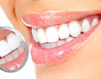 Beneficiile fatetelor dentare lumineers