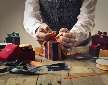 Cum sa faci cadoul perfect de 8 martie? – Te ajuta 999cadouri